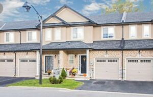 TOWNHOUSE FOR RENT IN ANCASTER!