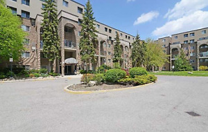 LARGE 2+1 TOWN HOUSE CONDO- DON MILLS & STEELES