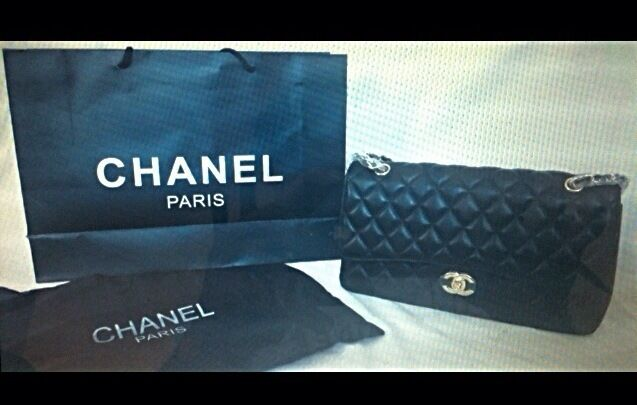 937db999959a Ladies lambskin bag High Quality leather Chanel Handbag £125