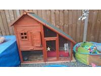 Rabbit or ferret guinea pig house hutch