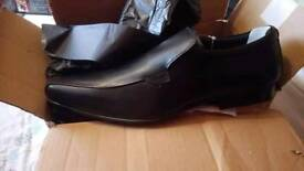 Mens shoes size 10. Brand new