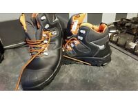 Safety boots size 10 brand new composite Toe cap. Cost £120.00