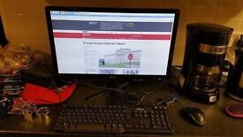 Rasberry P1 2 ready to use 8gb sd + 23 inch LCD and kb/mouse ready to go with wifi.