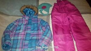 Girls (Size 10/12) Snowsuit with matching hat!