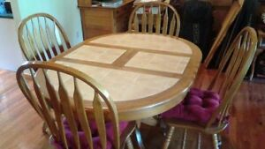 Solid wood dining set in excellent condition