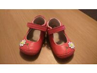 Baby shoes Clanks size 2,5