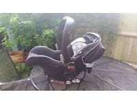 Britax infant car seat / baby carrier - excellent condition