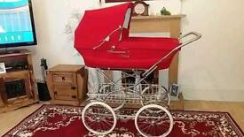 Royale coach built pram