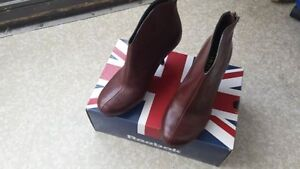 100% leather size 5 /5 and half,