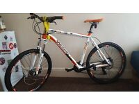 Mens Whistle Miwok Mountain Bike, as new condition, ideal gift!