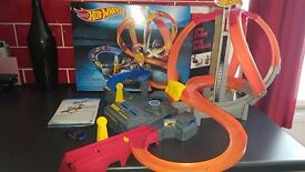 hot wheels spin storm piste ouragan