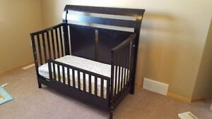 Crib and toddler bed combo