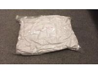 2 Polyester Single Duvets 1 winter 1 summer