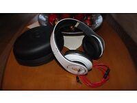 Beats by Dr. Dre Studio headphones – white, mint condition