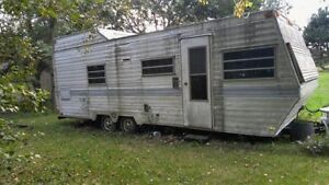 30 Holiday travel trailer