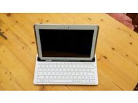 Samsung Galaxy Tab 2 - 10.1 - 16gb, white with keyboard, charger and boxes.