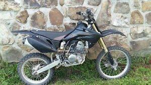 Moto CRF 150 rb