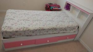 Single bed for Girls in nice condition