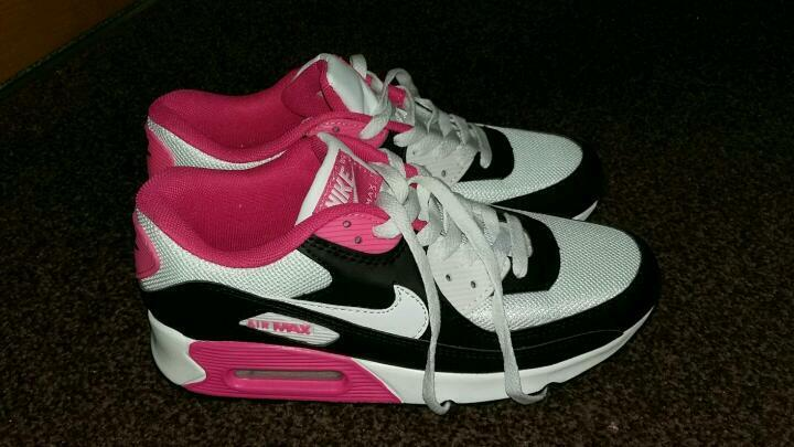ladies nike air max trainers size 6