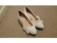 Ivory Patent with lace detail shoes Size 3.5