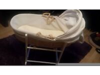 MOSES BASKET WITH ROCKING STAND EXCELLENT MAKE jOHN LEWIS EXCELLENT CON