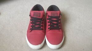 Size 12(mens) Converse All Star shoe
