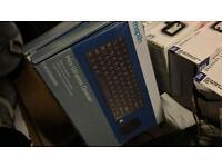 Wireless desktop set