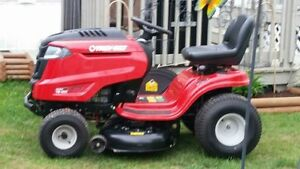 Ride on lawn tractor AMHERST