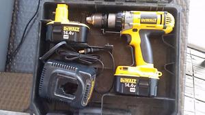 Perceuse DEWALT rechargeable 14.4 volts 2 batteries