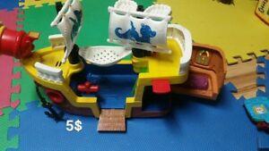 Bateau de pirate Little People de Fisher Price