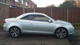 Volkswagen Eos 2.0 tdi automatic beautiful convertible car with satnav,leather and rearview camera