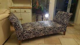 giraffe print chaise longue