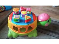 FISHER PRICE PEEK a BLOCKS BUILD & SPILL MUSICAL TURTLE IN PERFECT CONDITION