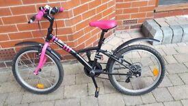 "B'twin Mistigirl 320. 6-8 years. 5 speeds. 20"" bike. Very good condition."