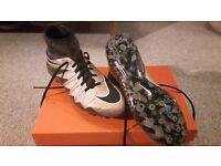 Nike Hypervenom phantom 2 sock boots - size UK 7.5