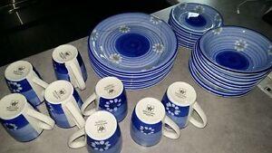 set de vaisselle - IMPECCABLE