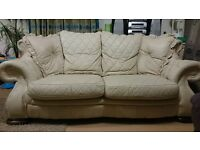 Large Cream and Beige Marbled Effect Leather Quality Dianna Chesterfield Sofa
