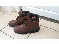 Brand new safety boots size 9