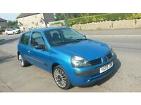 Renault Clio 1.2 bargain at £450 - drives well nothing wrong with long MOT