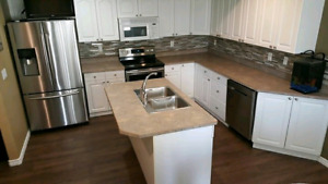 GORGEOUS 4 BED 3 1/2 BATH TOWNHOUSE IN WOODBUFFALO NEWLY RENOVAT