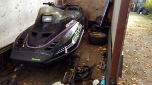 1990 arctic cat  ... runs good but needs tlc