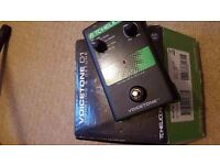 TC HELICON VOICETONE D1 VOCAL PEDAL (doubling and detune)