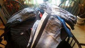 Lot de vêtements pour hommes