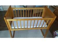 Baby Rocking/stating crib