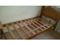 Solid pine single bed (without mattress)
