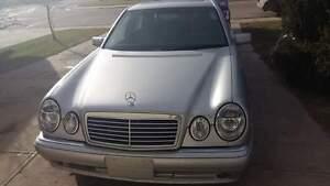 Mercedes-Benz E 320  sliver