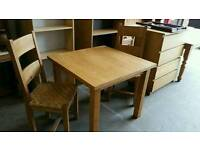 Oak dining g table and X2 chairs very good condition