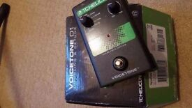 "TC Helicon Voicetone DI vocal ""doubling"" pedal, excellent for live vocals"