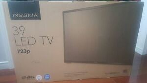 Insignia TV and Vizio Soundbar and Sub combo