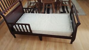Toddler Bed with mattress in Brooks